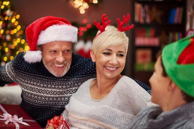 Долгие часы разговоров во время рождества Бесплатные Фотографии