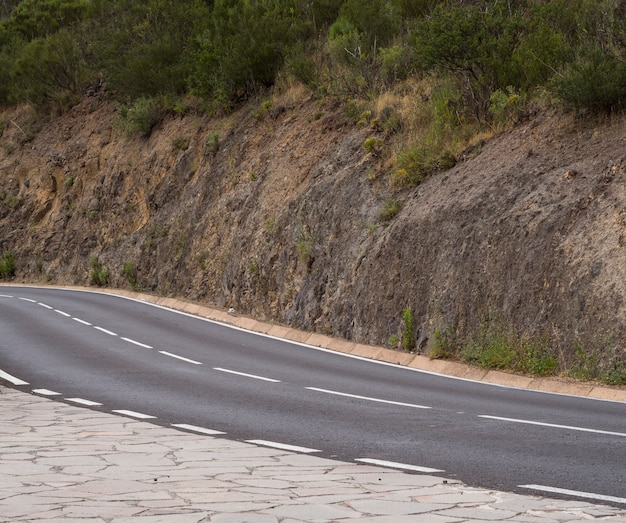 Long shot of an empty road Free Photo