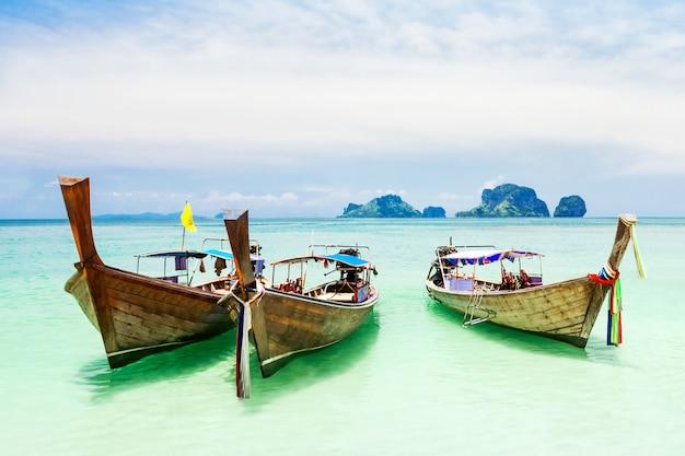 Longtale boat Premium Photo