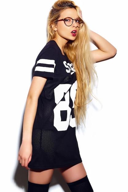 Высокая мода look.glamor стильный секси улыбчивый красивая молодая блондинка модель летом спортивная одежда Бесплатные Фотографии