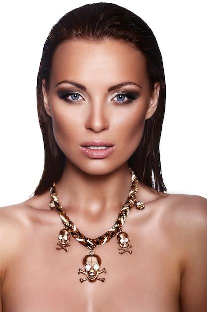 Высокая мода look.glamor крупным планом портрет модели красивая сексуальная стильная брюнетка кавказских молодая женщина с ярким макияжем Бесплатные Фотографии