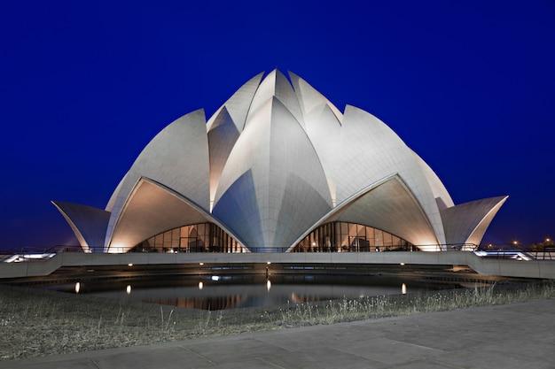 Lotus temple, delhi Premium Photo