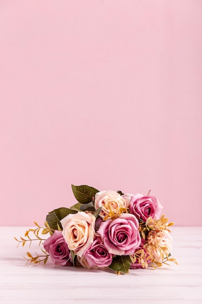 Lovely bouquet of roses copy space Free Photo