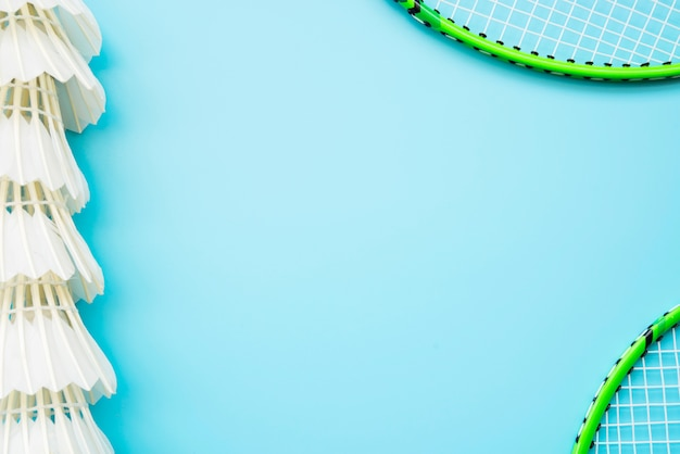 Lovely sport composition with badminton elements Free Photo
