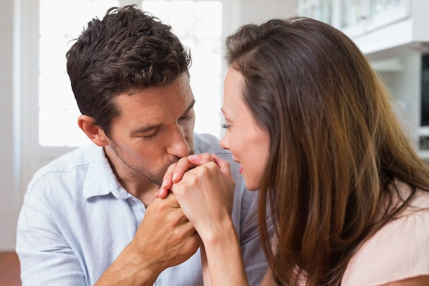 when is it appropriate to kiss a womans hand