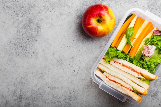 Lunch box with healthy food Premium Photo