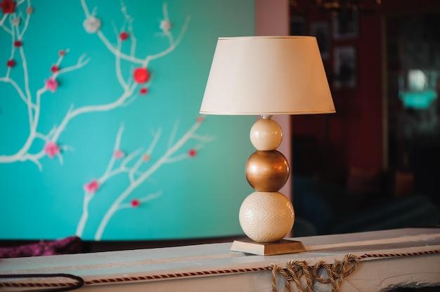 고급 호텔 로비 및 가구, 테이블 램프 프리미엄 사진