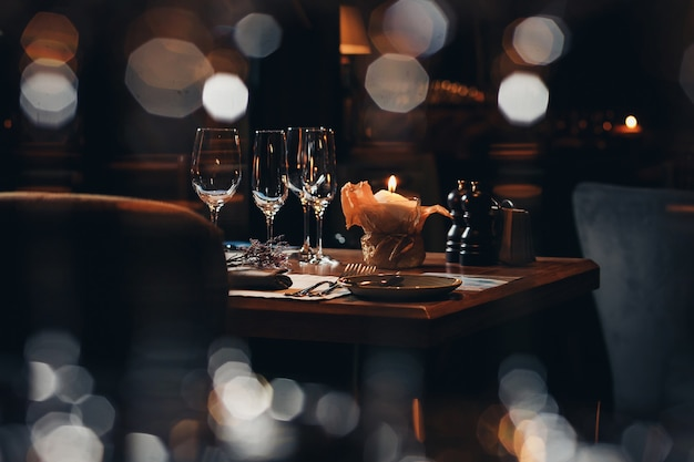 Luxury tableware beautiful table setting in restaurant Premium Photo