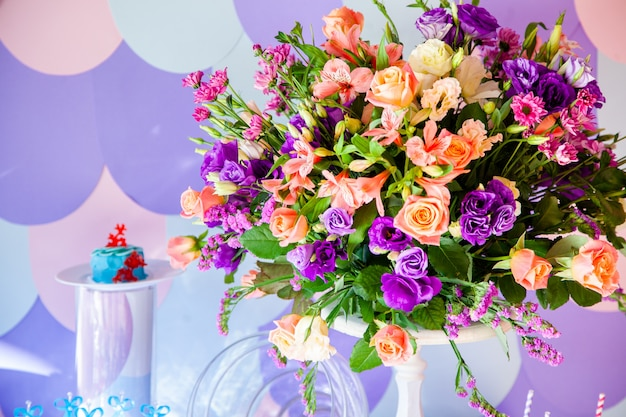 Luxury wedding table with flowers and trees. Premium Photo