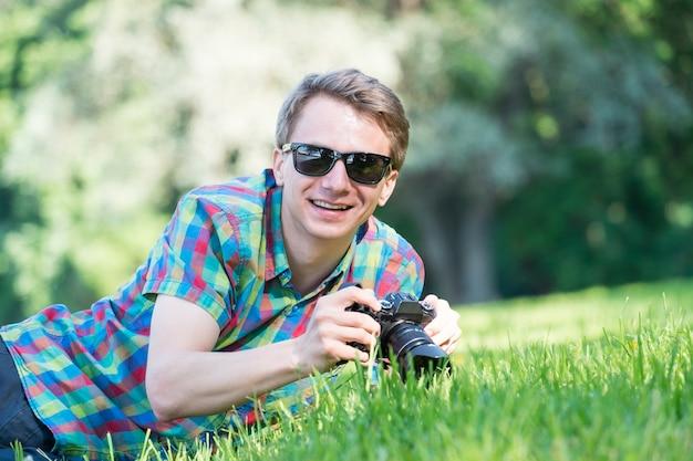 Макрос на траве Premium Фотографии