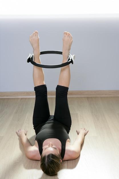 Magic pilates ring woman aerobics sport gym Premium Photo