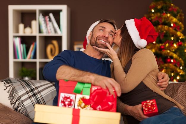 크리스마스 사랑 가득한 마법의 시간 무료 사진
