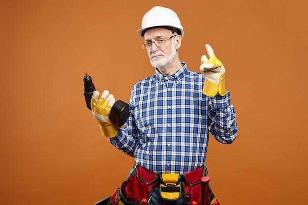 メンテナンス、修理、配管、建設のコンセプト。 無料写真