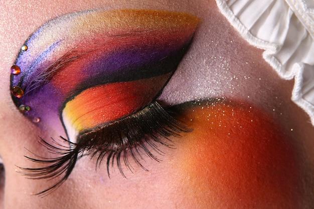 Make up bachkstage Free Photo