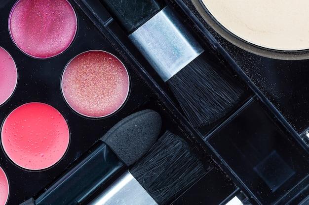 Make-up set of eyeshadow and blush Premium Photo