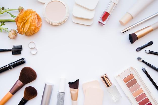 Makeup tools | Free Photo
