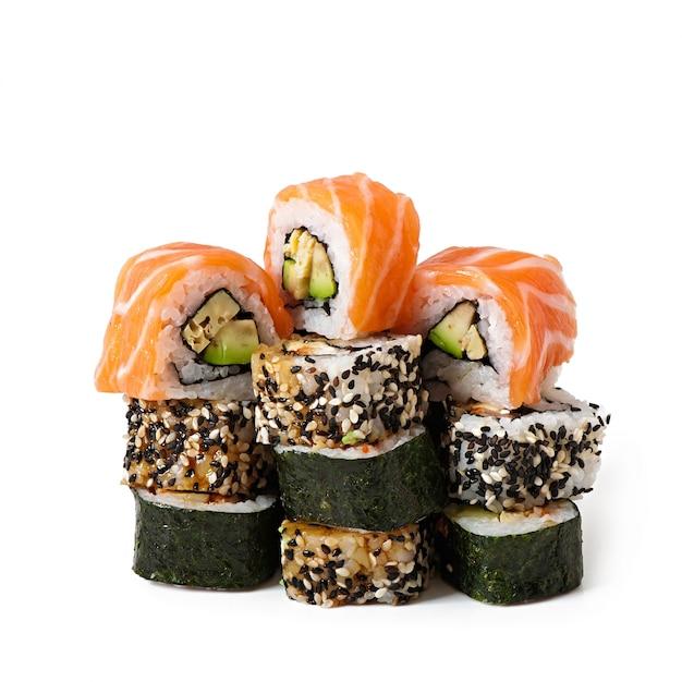 Маки суши, изолированные на белом Бесплатные Фотографии