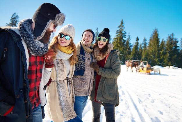 겨울 방학 동안 더 많은 추억 만들기 무료 사진