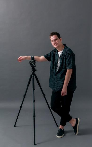 Male model in a studio long view Free Photo