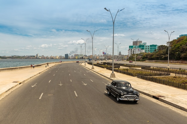 Malecon, habana Premium Photo
