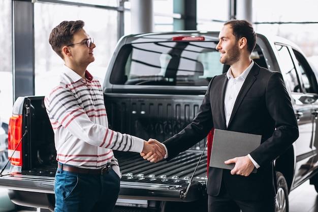 Man buying a car Free Photo
