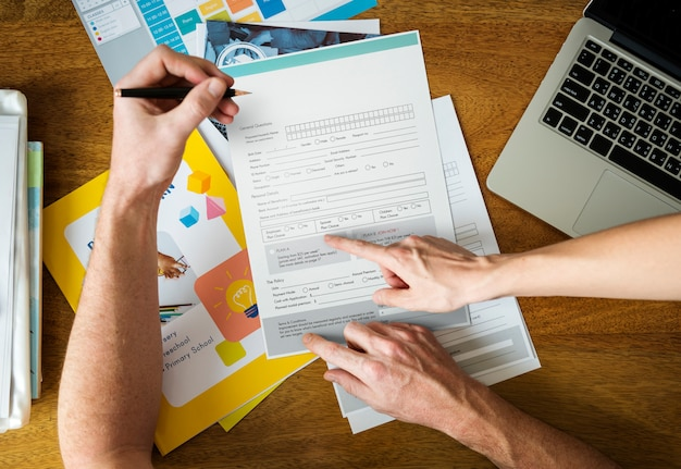 Man filling applicatio form documents information Premium Photo