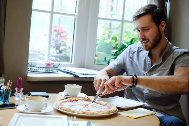 カフェの男 無料写真