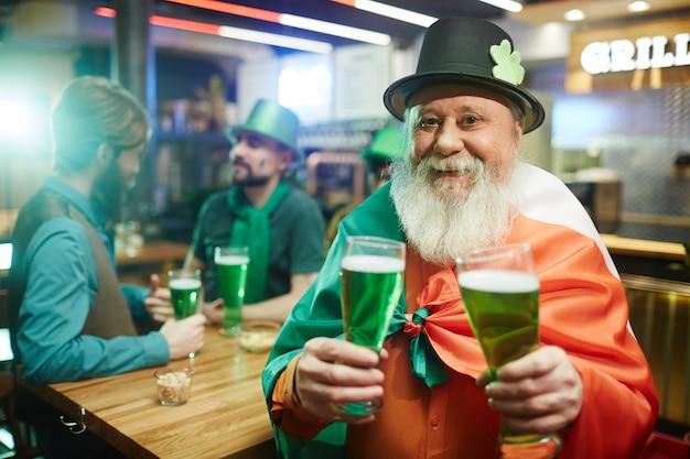 Man in irish pub Premium Photo