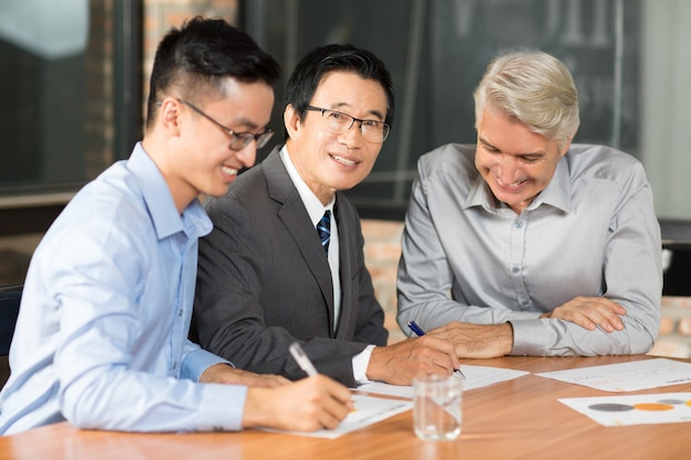 man positive business asian meeting Free Photo
