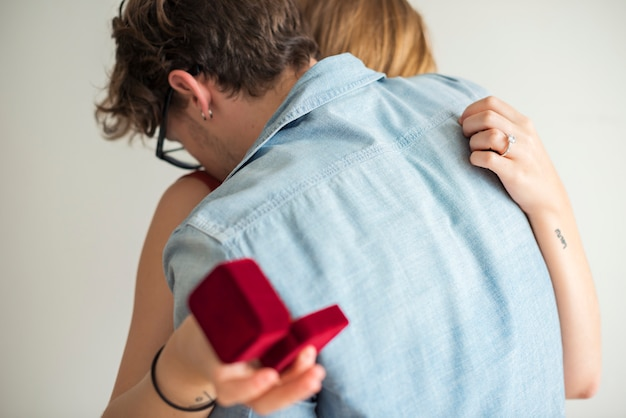 Man proposing to his girlfriend Premium Photo