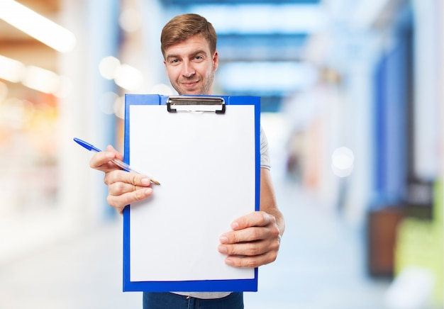 Man with checklist Free Photo