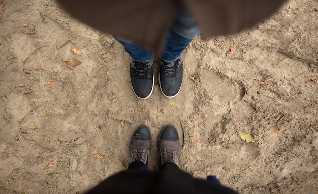 Man and woman stand opposite each other. Premium Photo