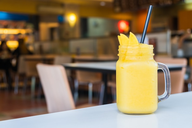 Mango smoothies Free Photo