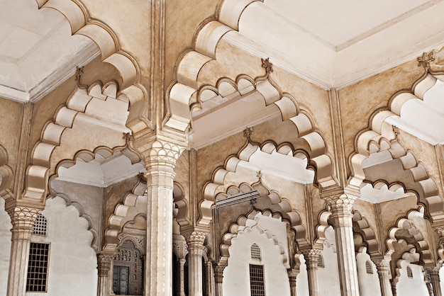 Many arches inside red fort Premium Photo