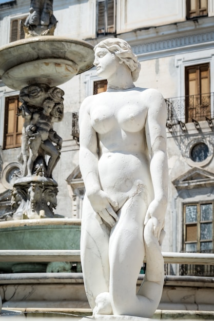 Marble statue in piazza pretoria, palermo, sicily Premium Photo