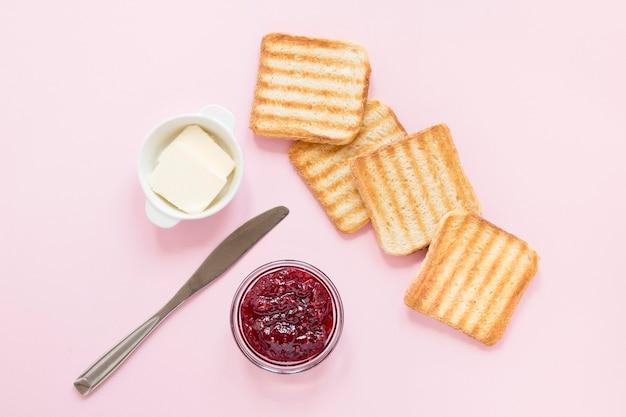 Мармелад и масло для тостов Premium Фотографии