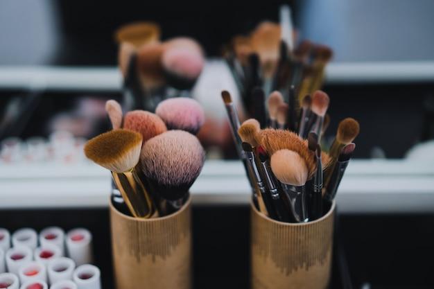 Master class make-up. makeup brushes Free Photo