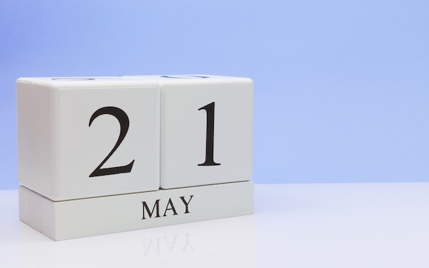 May 21st. day 21 of month, daily calendar on white table Premium Photo