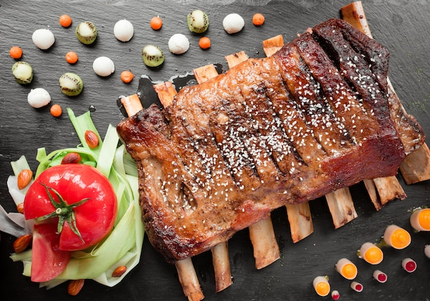 Meat ribs with vegetables Free Photo
