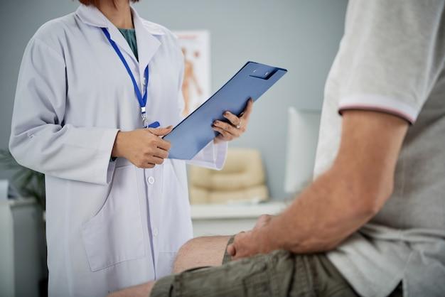 Medical exam Free Photo