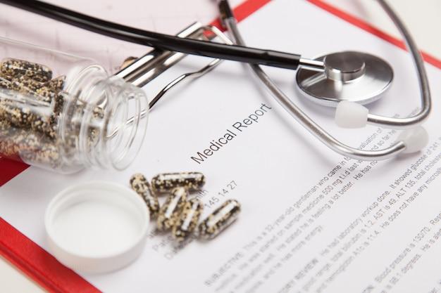 Medical report and cardiogram Premium Photo