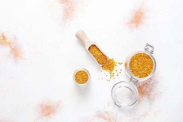 Polline di api cibo medicina. Foto Gratuite