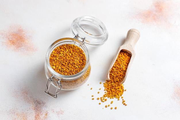 Polline d'api di medicina alimentare. Foto Gratuite