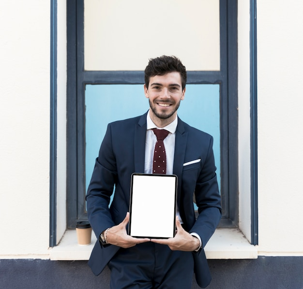 Medium shot lawyer with tablet mock-up Free Photo