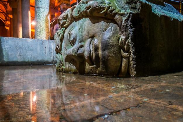 Medusa, basilica cistern istanbul Premium Photo