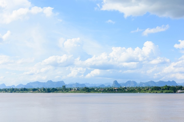 Mekong river and bluesky Premium Photo