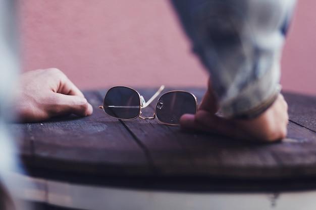 Men's accessories sunglasses Premium Photo