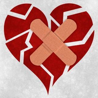 Mending a broken heart Free Photo