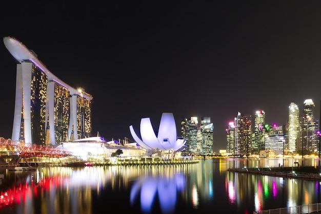 Merlion park, marina bay at singapore Premium Photo