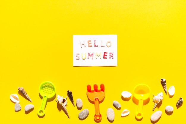 Message hello summer on paper Free Photo